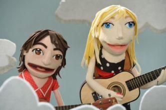 Viva-La-Puppet-Garfunkel-and-Oates-Michelle-Zamora-600x399